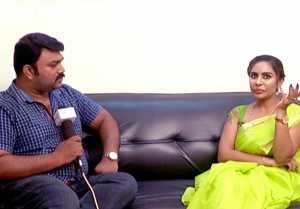 சினிமா வாய்ப்பு பற்றி விவரிக்கிறார் ஸ்ரீ ரெட்டி-வீடியோ