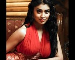 Kamal Approches Shriya For Marmayogi