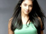 Asin Loves Dhoni