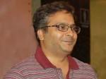 S P B Saran Play Hero On Nenjathai Killathe Serial