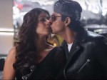 Shahrukh Khan Accidentally Kissed Kajol
