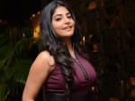 People Don T Come Theatre Watch Naked Heroines Manjima Mohan