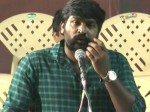 Vijay Sethupathi Gives 100 Sovereign Gold 100 Seniors From From Film Industry