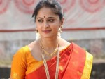 Anushka Visits Yet Another Temple