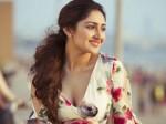 Sayesha Saigal Impresses Fans