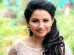 Tv Anchor Meenatchi Debut Tamil Movie