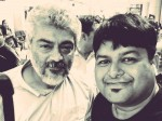 Ajith Takes Selfie With Fans