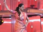 Petta Simran Did Chandramukhi Rara Dance The Audio Launch