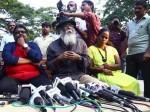 Dmk Should Not Use Periyar Image Says Director Velu Prabhakaran