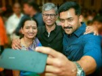 Suriya Takes Selfie With Vijay S Parents