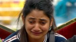 Bigg Boss Tamil 3 Losliya Cries After Nominating Cheran