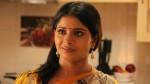 Bigg Boss Tamil 3 Madhumitha Bites Woman S Hand