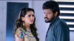 En Kadhali Scene Podura Review A Funny Commercial Film With Little Emotions