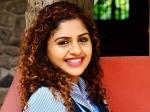 ப்ரியா வாரியருக்கு தான் பிரச்சனை: நூரினுக்கு அடித்த ஜாக்பாட்