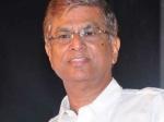 எஸ்.ஏ.சந்திரசேகருக்கு காவி வேட்டி பார்சேல்.. கதறடிக்கும் பாஜகவினர்!