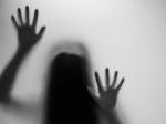 2 இளம் பெண்களை கத்திமுனையில் பலாத்காரம் செய்த டிவி நடிகர் உள்பட 3 பேர் கைது
