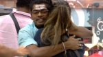 'நைனா'வாக மாறி பெண் போட்டியாளர்களை விரட்டி விரட்டி முத்தமிட்ட சாண்டி