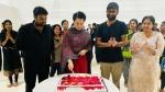 நடிகை கங்கனாவுக்கு பத்மஶ்ரீ... மெகா கேக் வெட்டி சென்னையில் கொண்டாடிய 'தலைவி' டீம்