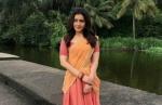 இவங்கதான் அவங்களா..? வில்லேஜ் லுக்கில் மீண்டும் அந்த பிரபல நடிகை.. இதுதான் 'அரண்மனை 3' கெட்டப்!