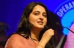 நீங்கதான் ரியல் ஸ்டார்கள்.. பெண் போலீஸ் அதிகாரிகளை அப்படி பாராட்டிய நடிகை அனுஷ்கா!