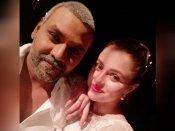 காஞ்சனா 3 நடிகையை படுக்கைக்கு அழைத்து மிரட்டிய போட்டோகிராபர்