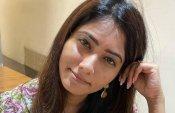 என்னடா டோனல் டக் ஹியூமன் வெர்ஷன் மாதிரி இருக்கு.. ஜூலி வீடியோவை பார்த்து பங்கமாக்கும் நெட்டிசன்ஸ்!