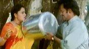 ரஜினியை வைத்து ட்விட்டரை கலாய்த்த சிஎஸ்கே...மீம்களை தெறிக்க விடும் நெட்டிசன்கள்