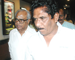 K Balachander with Bharathiraja