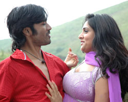 Dhanush with Ramya in Pollathavan