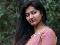 தில் இருந்தா பிக் பாஸ் வீட்டுக்கு போகட்டும் பார்ப்போம்: ஸ்ரீப்ரியாவுக்கு காயத்ரி சவால்