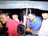 டிராபிக்கில் சிக்கிய கார்: சக்சஸ் மீட்டுக்கு ஆட்டோவில் சென்ற கார்த்தி
