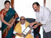 Kushboo, Karunanidhi and Director Suresh Krishna
