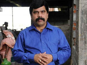 Power Star makes compromise with Namakkal industrialist
