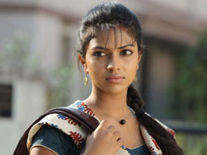 Amala Paul wins gambling in Sydney