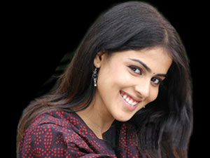 Genelia dismisses news of her being pregnant