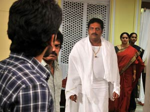 Court stays Prakash Raj's Gouravam