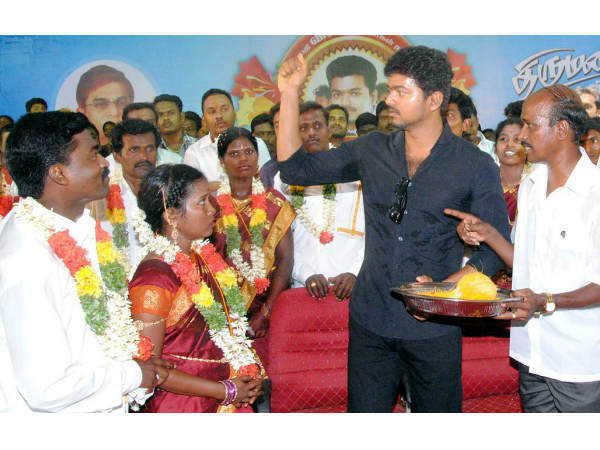 Vijay conducts mass marriage in Trichy