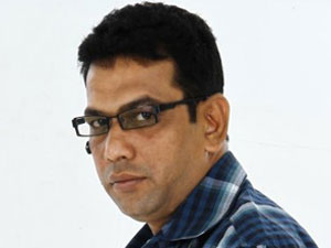 Unmai film director injured at Mumbai