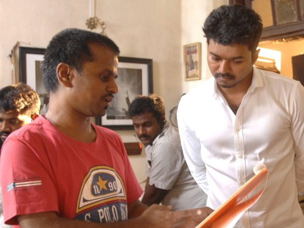 Vijay's Kaththi To Have Sharp Dialogues