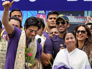 Shahrukh Khan and Mamata Banerjee bond over KKR's victory and delicious fish fry