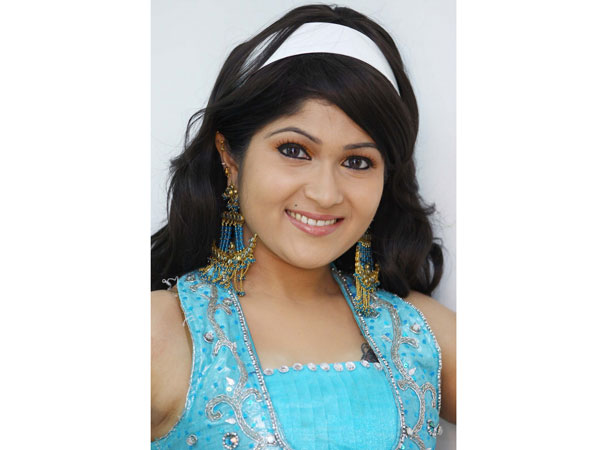 காதல்னா என்னங்க?.... கேட்பது நடிகை தேவிக்ருபா