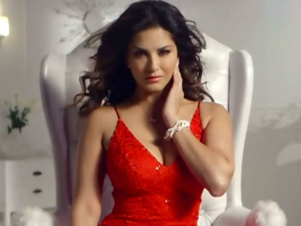 Sunny Leone's husband turns 'Santa', gifts her a car this Christmas