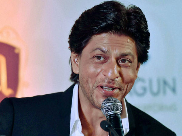 Shah Rukh Khan receives Dadasaheb Phalke film foundation award