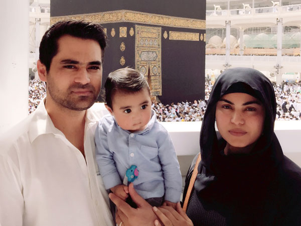Actress Veena Malik Khan & Asad Bashir Khan perform Umrah with their adorable son Abram Khan