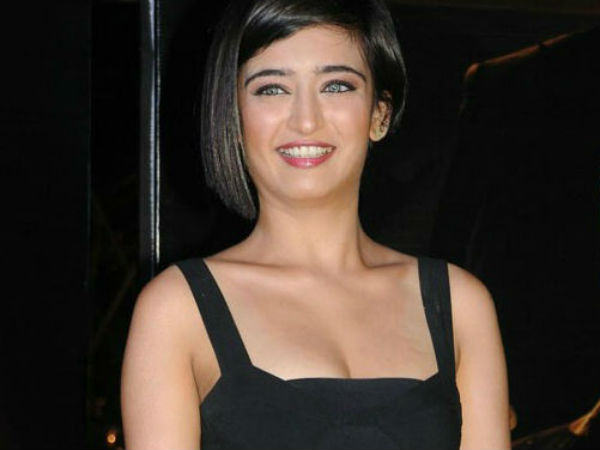 Akshara Haasan may pair with Vishal