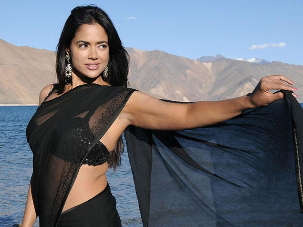 Sameera Reddy-Akshai Varde Blessed with Baby Boy