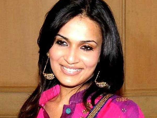 Soundarya Rajini quits from Eros