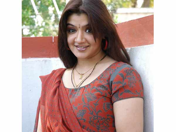 Actress Aarthi Agarwal passes away