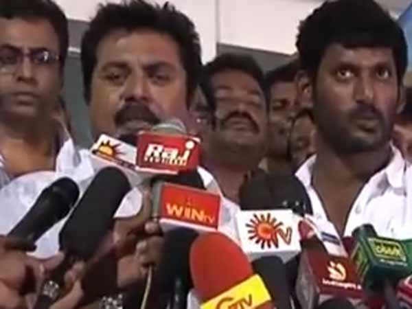 Paayum Puli Issue: Sarathkumar Joint Hands With Vishal