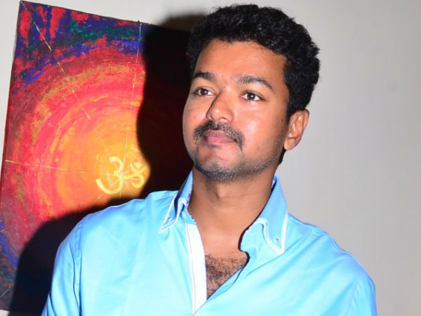 Vijay visits Srivilliputhur Andal temple in disguise